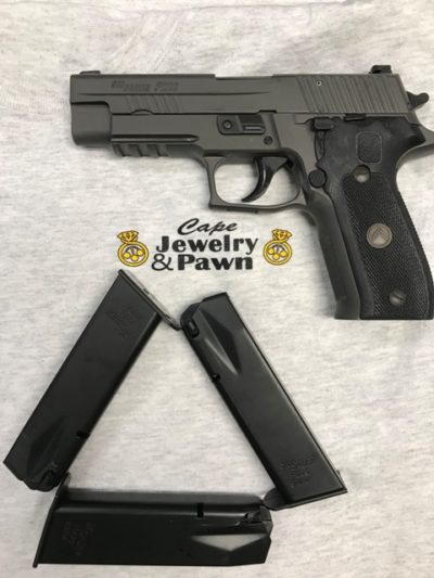 SIG SAUER P226 WITH 3 MAGS